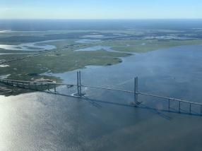 The giant bridge to Brunswick between Jekyll and Saint Simons